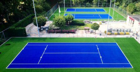 Tenniseväljaku värvivalik: Sinise kunstmuru kattega tenniseväljak