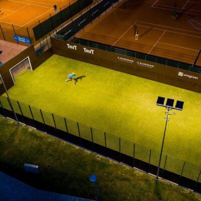 Viljandi tennisekeskuse kunstmuru kattega spordiväljak