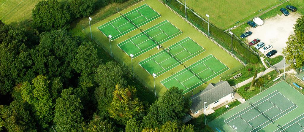 Aerofoto kuuest tenniseväljakust